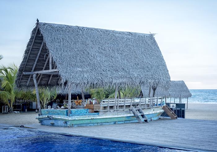 Sri Lanka beach bar